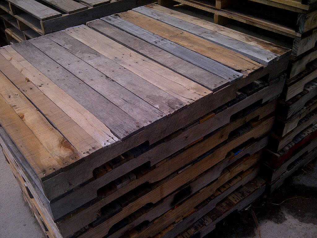 Creative diy pallets aaa pallet company for Creative pallet
